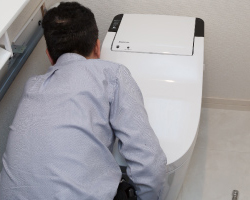 コンパクト設計で狭いトイレにも設置可能