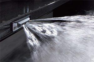アクリアバスの床夏シャワー